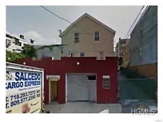 Photo of 132 Oak Street Yonkers, NY 10701