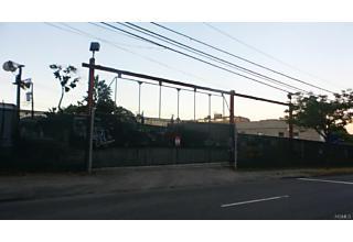 Photo of 250 East 234th Street Bronx, NY 10470