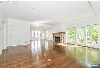 Photo of 156 Pine Tree Road Bloomingdale, NJ