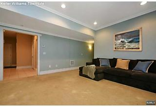 Photo of 902 Heights Lane Tenafly, NJ