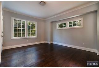 Photo of 319 Kenneth Place Wyckoff, NJ