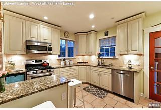 Photo of 11 Madison Heights Wyckoff, NJ