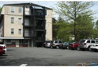 Photo of 639 Teaneck Road Teaneck, NJ