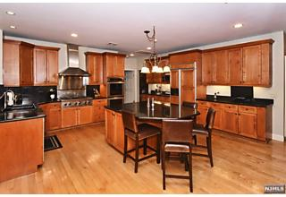 Photo of 21 Wood Chase Lane Kinnelon Borough, NJ