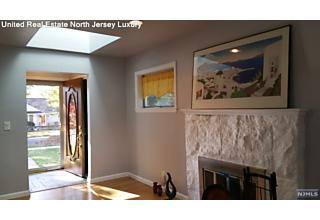 Photo of 239 Mulberry Place Ridgewood, NJ