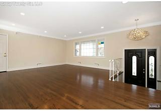 Photo of 31 Laurie Drive Englewood Cliffs, NJ