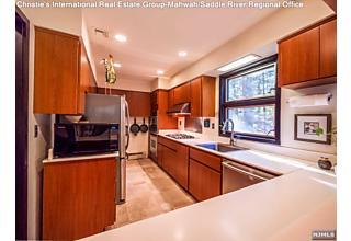 Photo of 1044 Ramapo Valley Road Mahwah, NJ