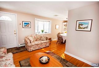 Photo of 96 Sussex Road Bergenfield, NJ