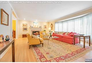 Photo of 63 Oxford Drive Tenafly, NJ