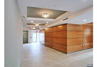 Photo of 2150 North Central Road Fort Lee, NJ