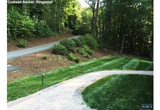 Photo of 35 Hillside Road Wanaque, NJ