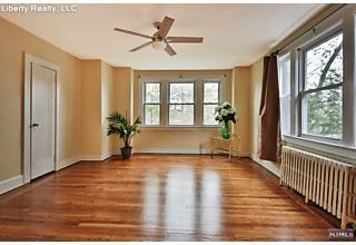 Photo of 429 Stockton Place Englewood, NJ
