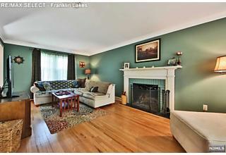 Photo of 80 Fieldstone Place Wayne, NJ