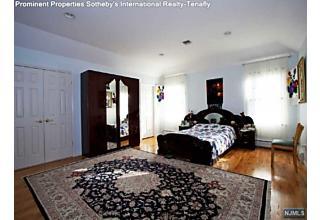 Photo of 318 Scharer Avenue Northvale, NJ