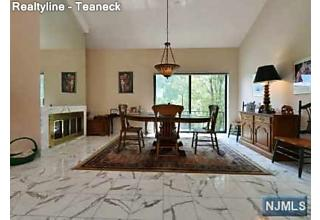 Photo of 5 Lawrence Court Teaneck, NJ