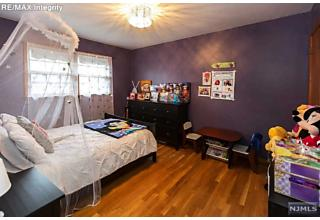 Photo of 53 Brook Street Bergenfield, NJ