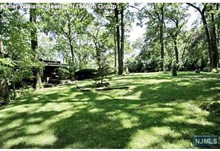 Photo of 28 Mountainside Park Terrace Montclair, NJ