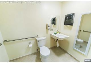 Photo of 926 Bloomfield Avenue Glen Ridge, NJ