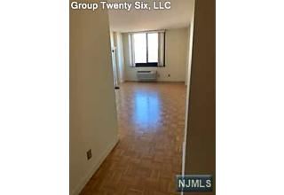 Photo of 1265 15th Street Fort Lee, NJ