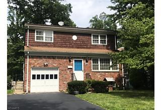 Photo of 16 Glen Ave Roseland, NJ 07068
