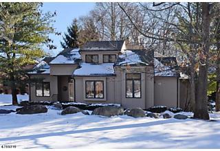 Photo of 025 Sherwood Dr Mountain Lakes, NJ 07046