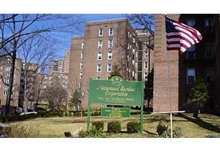 Photo of 5614 Netherland Avenue Bronx, NY 10471