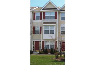 Photo of 19 Giera Court Parlin, NJ 08859