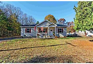 Photo of 32 Division Rd Queensbury, NY 12804