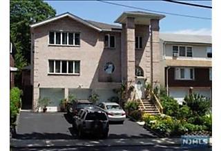 Photo of 170 Maple Street, Unit #2n Fairview, NJ 07022