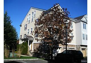Photo of 161 Winchester Court Clifton, NJ 07013