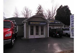 Photo of 30 Putnam Road Pomfret, CT 06259