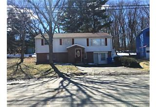 Photo of 49 Old Colony Drive Waterbury, CT 06708